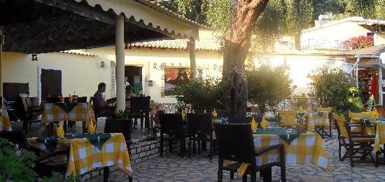 Nausika Taverna